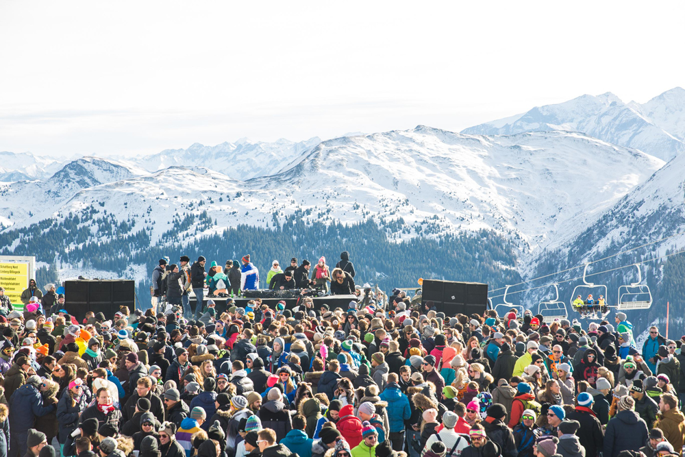 rave on snow festival